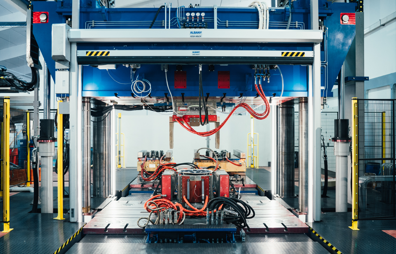 High-Pressure Resin Transfer Moulding (HP-RTM) technology.
